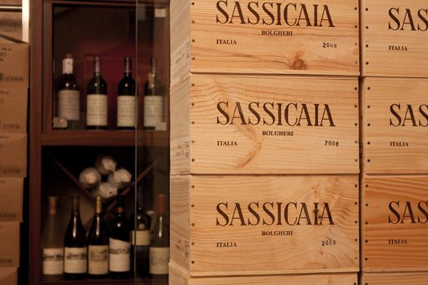Casse di vino Sassicaia